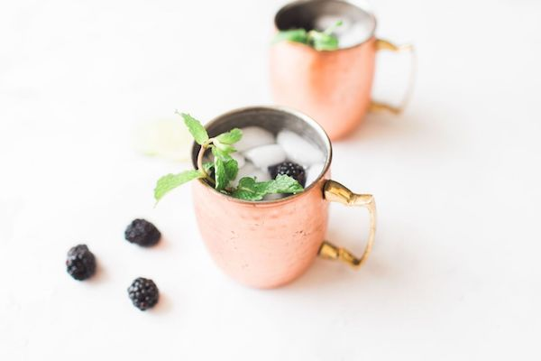 fresh blackberries make this Moscow Mule a great fall refreshing fall drink