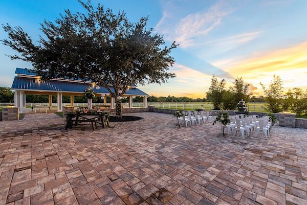 Two Chicks and a Pot – Dragonfly Farms – Palm Bay Wedding Venue – Palm Bay Caterer